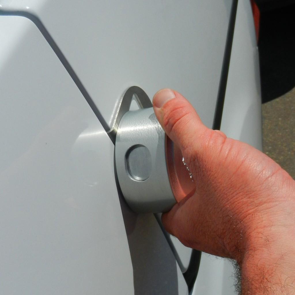 slick-lock-driver-hand